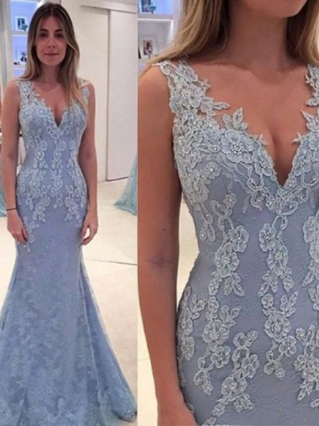 Trumpet/Mermaid V-neck Sleeveless Applique Sweep/Brush Train Lace Dress