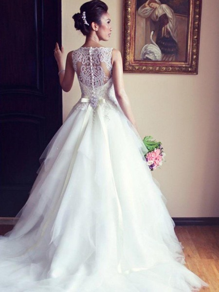 A-Line/Princess Sleeveless Scoop Chapel Train Beading Applique Lace Tulle Wedding Dress