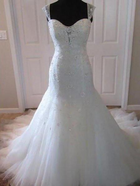 Trumpet/Mermaid Sweetheart Tulle Beading Sleeveless Court Train Wedding Dress