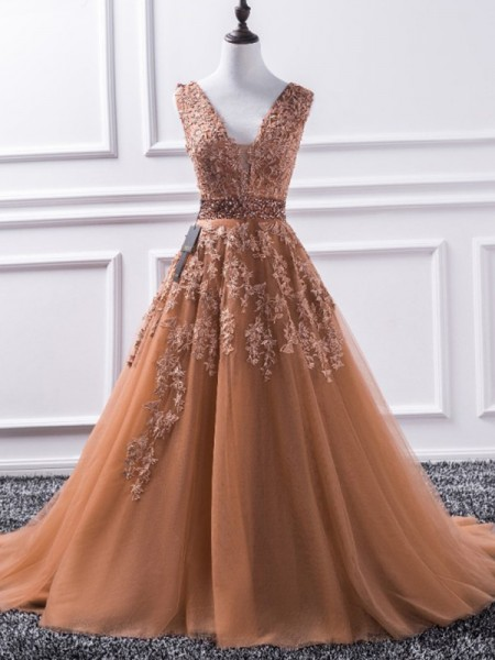 A-Line/Princess Sleeveless V-neck Sweep/Brush Train Applique Tulle Dresses