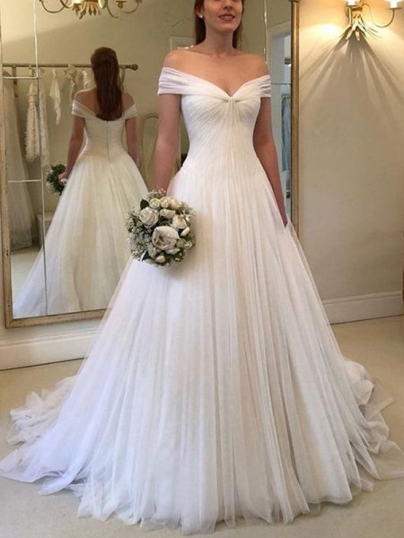 A-Line/Princess Off-the-Shoulder Sweep/Brush Train Sleeveless Ruched Wedding Dresses with Tulle