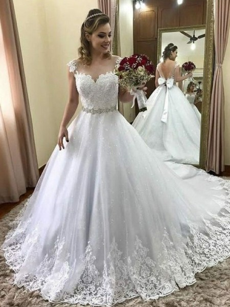 Ball Gown Sweetheart Sleeveless Court Train Beading Wedding Dresses with Tulle