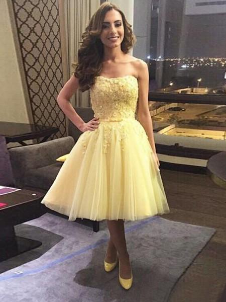 A-Line/Princess Sweetheart Applique Tulle Short/Mini Dress