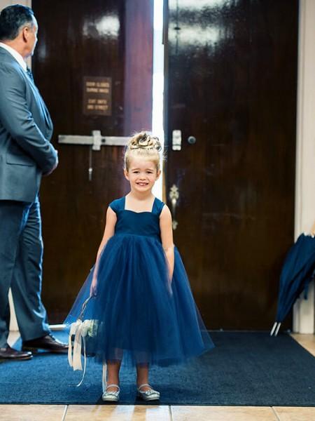 Ball Gown Sweetheart Sleeveless Bowknot Tea-Length Tulle Flower Girl Dresses