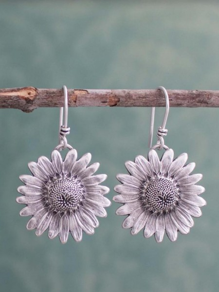Hot Sale Daisy Retro Sunflower Alloy Earrings