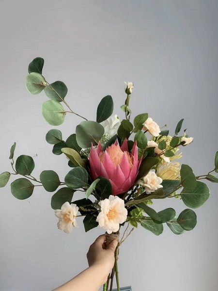 Attractive Free-Form Silk/Cloth Bridal Bouquets