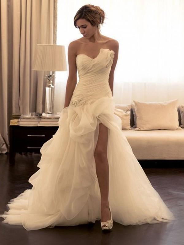 De Baile Organza Missangas Coração Sem Mangas Com cauda/Arrastar Vestidos de Noiva