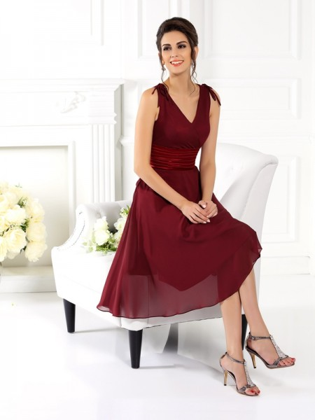 Princesa/Formato A Decote em V Sem Mangas Curtos Chiffon Vestidos de Madrinhas
