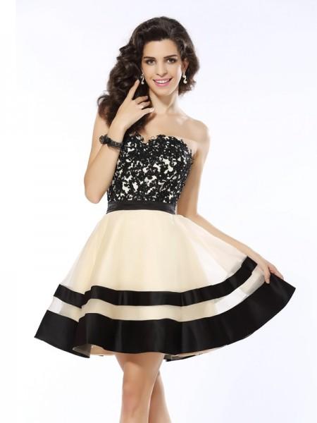 Princesa/Formato A Coração Appliques Sem Mangas Curtos Organza Vestidos de Coquetel