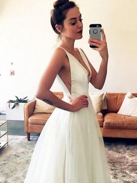 Princesa/Formato A Tule Decote em V Sem Mangas Com cauda/Arrastar Vestidos de Noiva