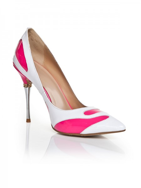 Mulheres Dedo do pé fechado Stiletto Heel com Chain Salto alto
