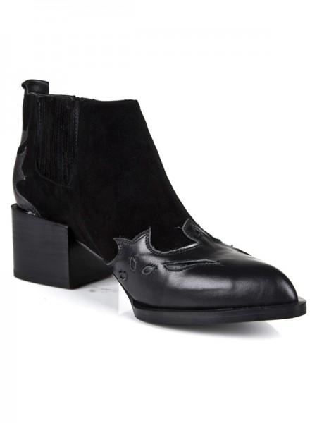Mulheres Salto Gatinho Dedo do pé fechado Cattlehide Couro Preto Booties