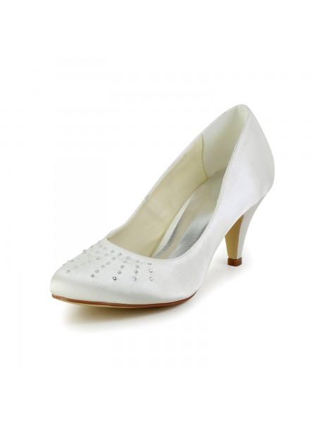 Mulheres Cetim Dedo do pé fechado Cone Heel Marfim Casamento Sapatos com Imitação de Diamante