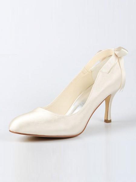 Mulheres Cetim Dedo do pé fechado Spool Heel com Laço Marfim Casamento Sapatos